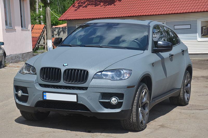 Защита кроссовера BMW X6 полимерным покрытием Line-X от механических повреждении коррозии