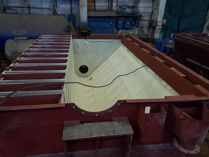 Защита промышленного оборудования горно-обогатительного комбинат полимерными покрытием Line-X от механических повреждений и коррозии