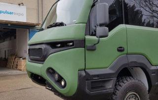 Первый в мире внедорожный автобус Torsus Praetorian в полимерной броне Line-X