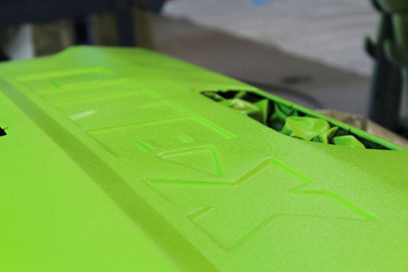 Кенни Пфитцер (Kenny Pfitzer), известный своей любовью к классическим цветам, решил добавить немного поп-арта при работе с защитным полимерным покрытием Line-X.