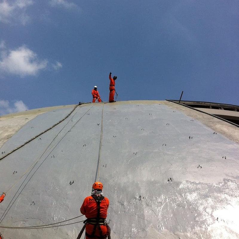Защита покрытием Line-X крыши концертного зала в Монтерее