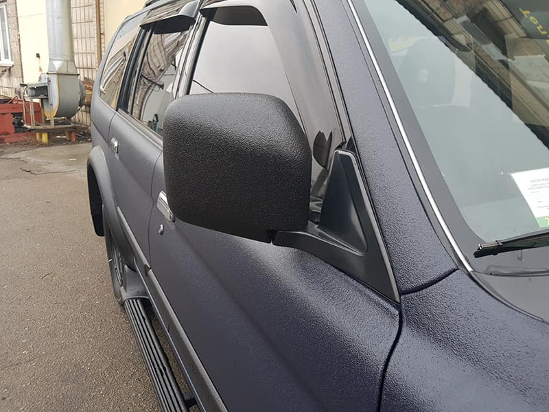Как перестать переживать из-за царапин и мелких сколов ЛКП? Ответ прост – окрасить автомобиль защитным покрытием Line-X.