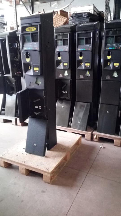 Защита паркоматов от механических повреждении покрытием Line-X