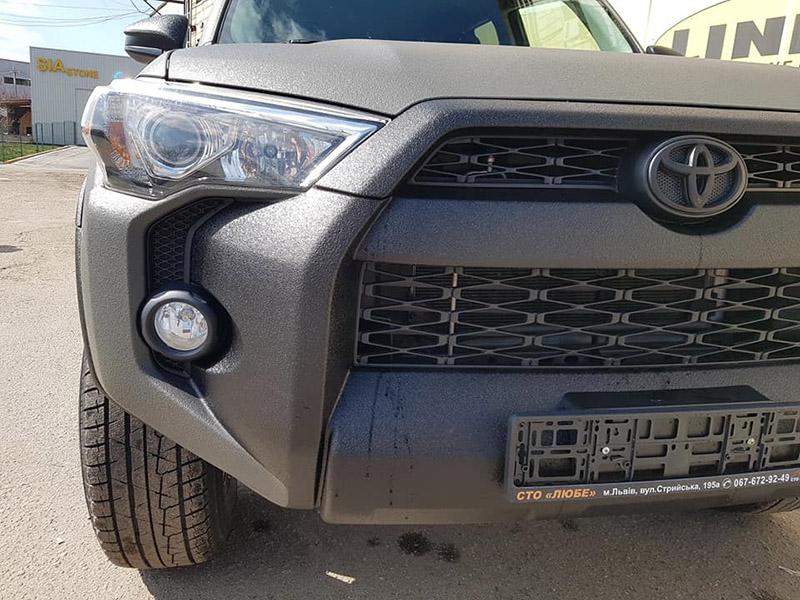 Покраска внедорожника Toyota 4runner защитным покрытием Line-X