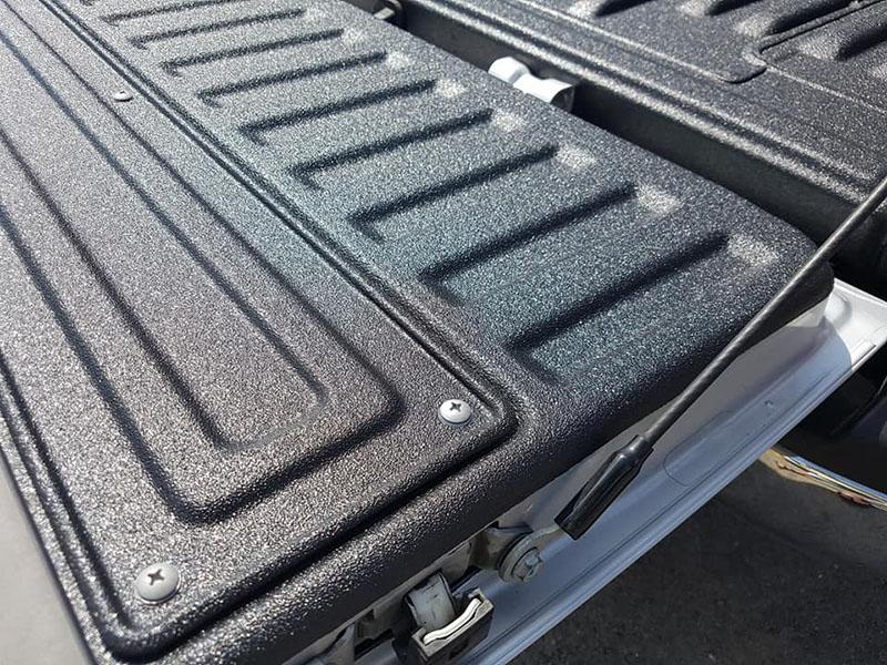 Превентивная защита кузова покрытием Line-X