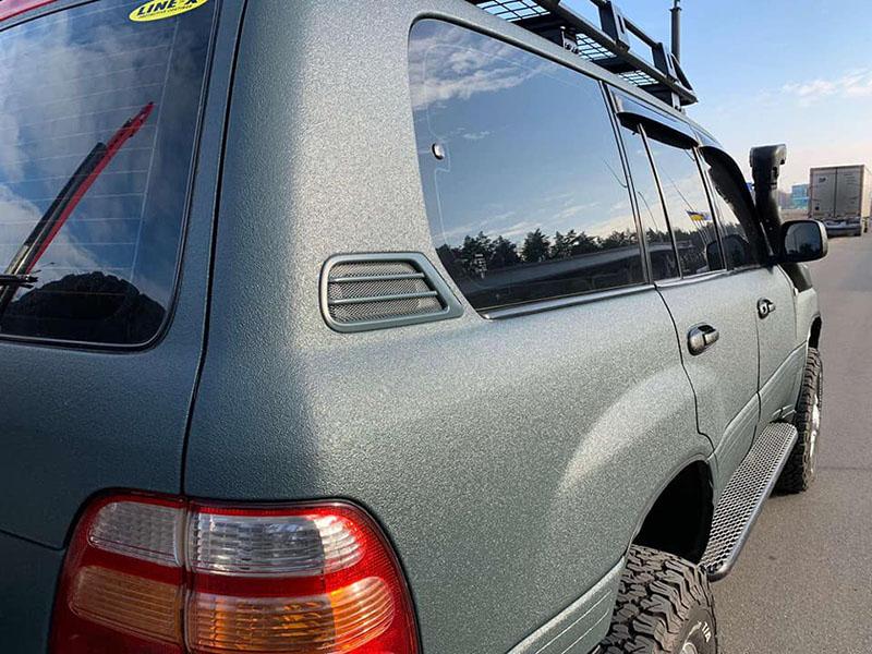 Тюнинг Toyota Land Cruiser 100 и защита кузова покрытием Line-X