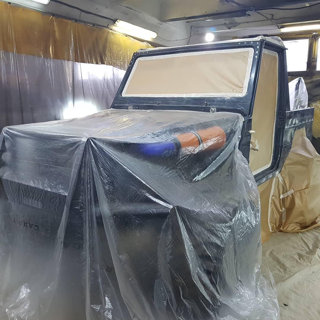 Подготовка внедорожника Mercedes-Benz G к офф-роуд соревнованиям, окраска в Line-X