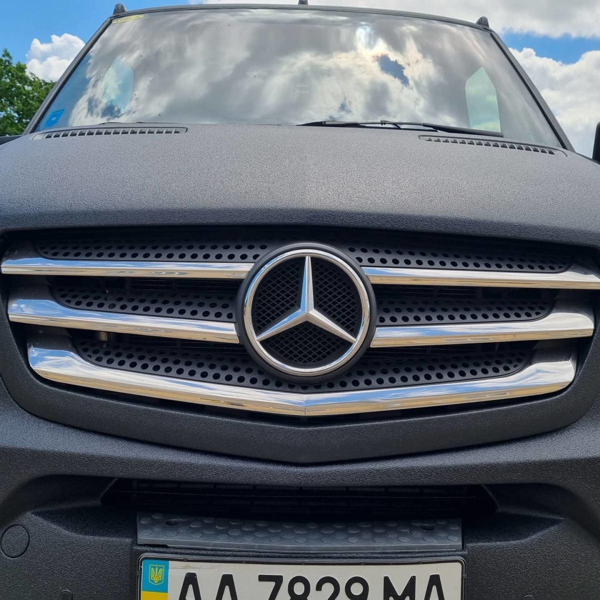Защита кузова Mercedes Sprinter от механических повреждений и коррозии покрытием Line-X