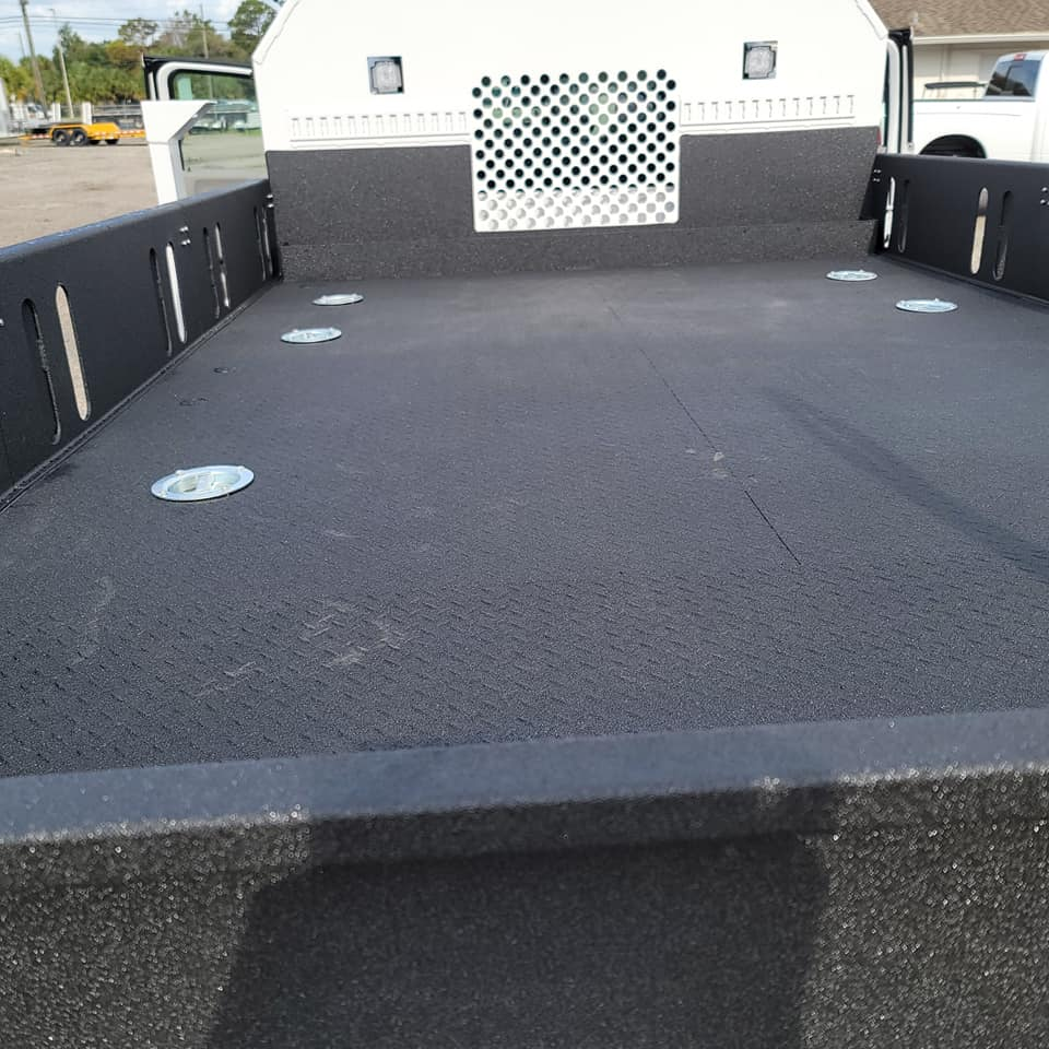 Защита кузова грузовика покрытием Line-X от царапин